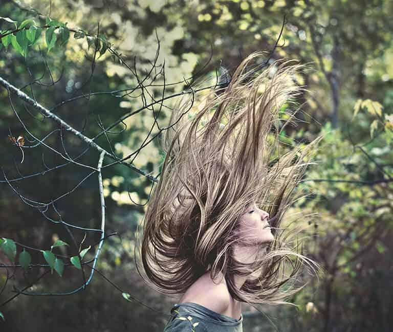 hair-flip-woman
